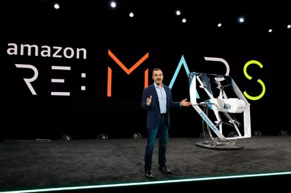 亚马逊新专利显示送货无人机同时可以提供安保监控服务
