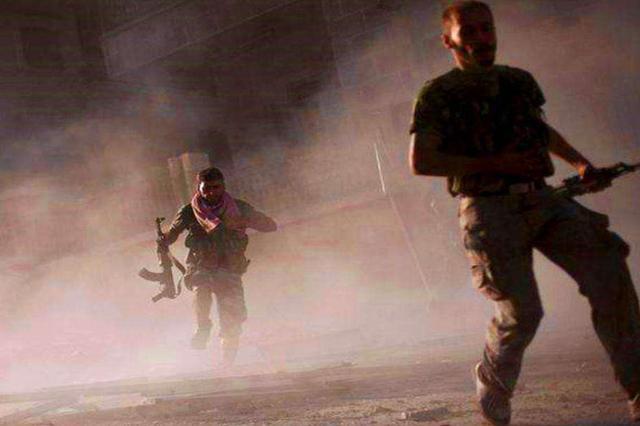 叙利亚叛军有多悲惨?补给无人机被击落,只能吃蚂蚱充饥