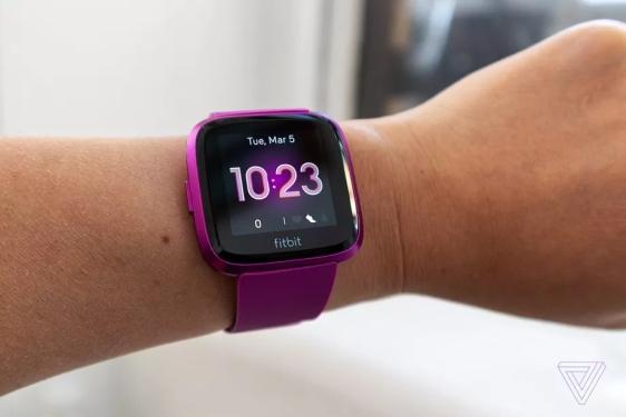 Fitbit推出精简版智能手表Versa Lite,取消Wi-Fi、NFC等功能