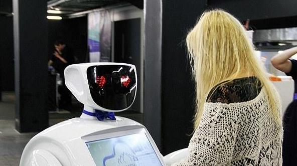 国内对话机器人行业:机器学习是现阶段实现人工智能的主要手段