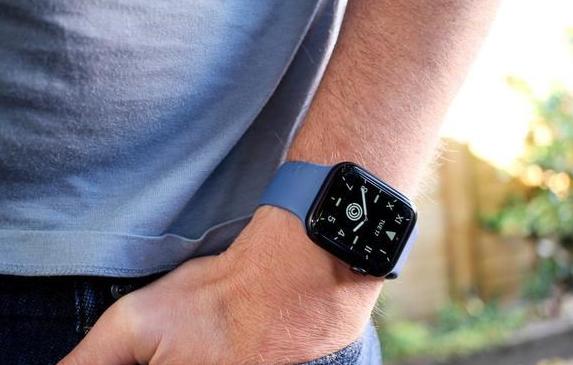第6代Apple Watch将更换组装工厂,富士康接单