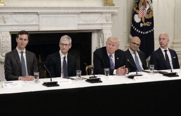 美国政府召集科技五巨头与推特等讨论如何应对疫情
