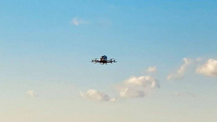 亿航无人机完成在美首飞,预计不久可搭载乘客试飞
